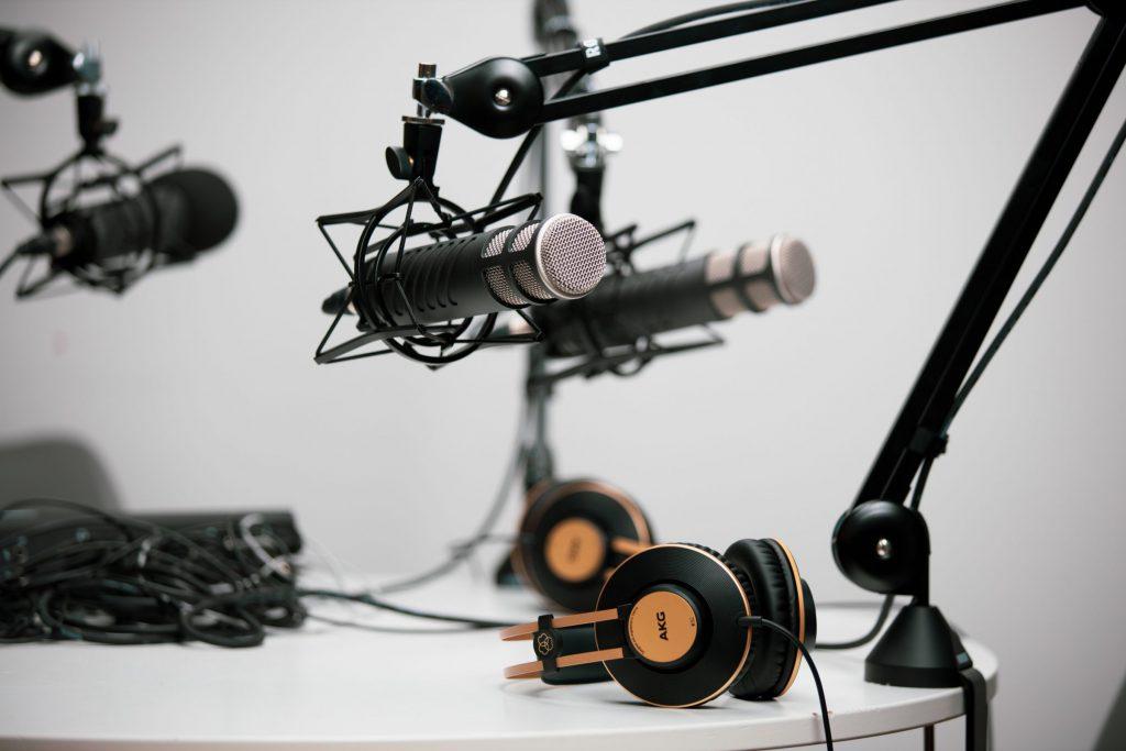 podcast-starten-mikrofon